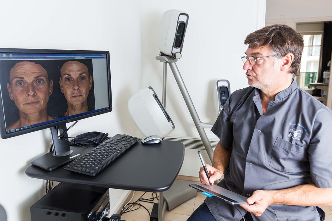 Consultation de chirurgie esthetique par le Dr Raspaldo