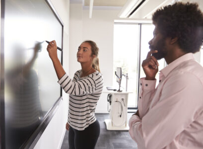 écran interactif en classe