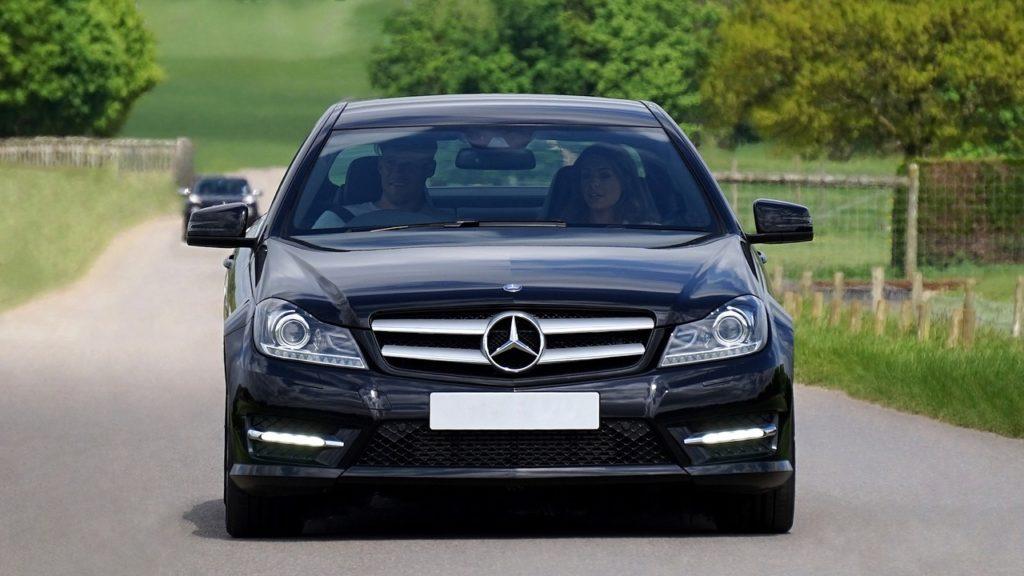 plateformes pour louer une voiture de luxe