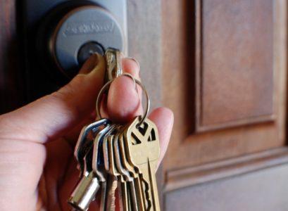 porte clé en pierre